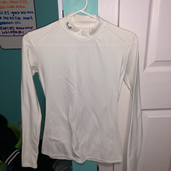 Under Armour Tops - UNDER ARMOUR LONG SLEEVE SIZE LARGE